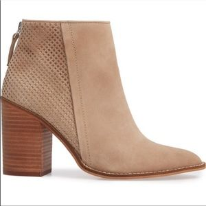 Steve Madden Replay Ankle Boots in Taupe 8